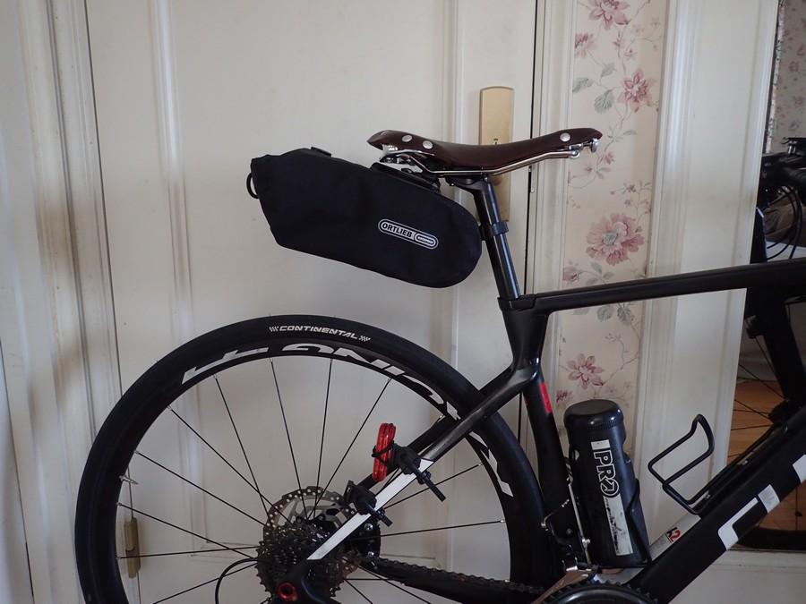 オルトリーブサドルバッグをセラアナトミカ X2に装着・ジャストフィット