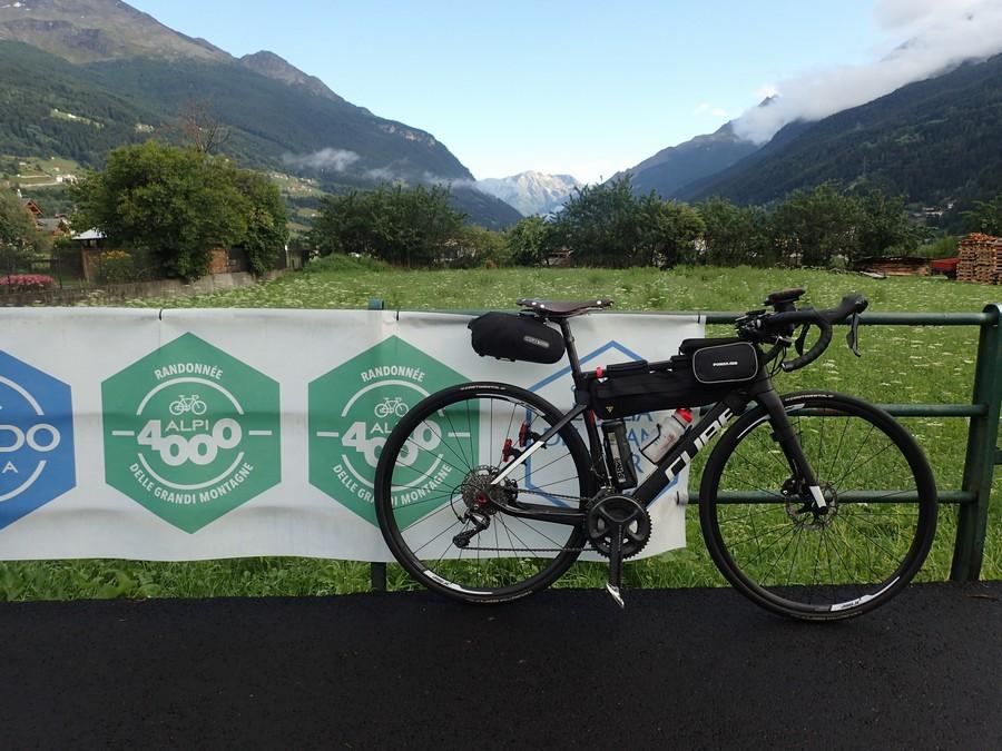 Alpi4000 Day0:エントリー受付・バイク車検・ドロップバッグ・ブリーフィング