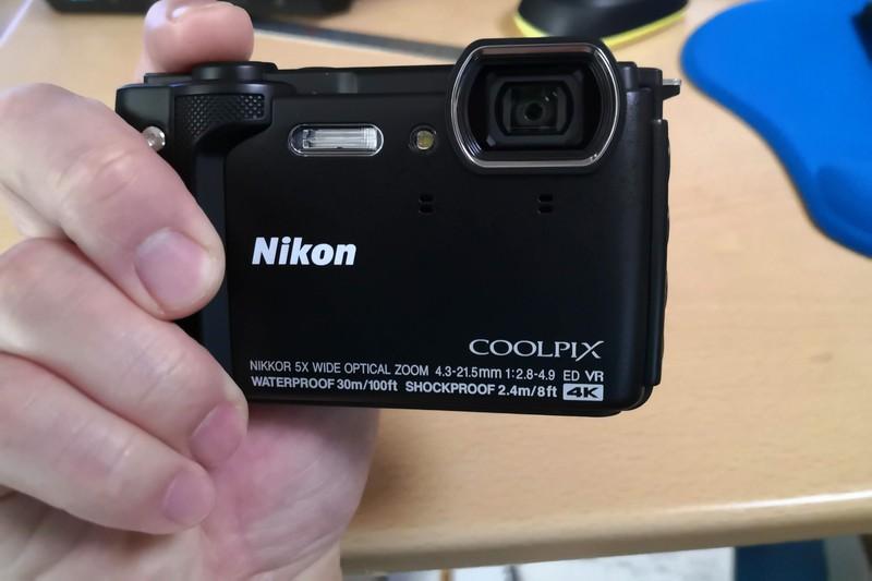 ニコン防水カメラ【COOLPIX W300】レビュー!ブルべで使える?